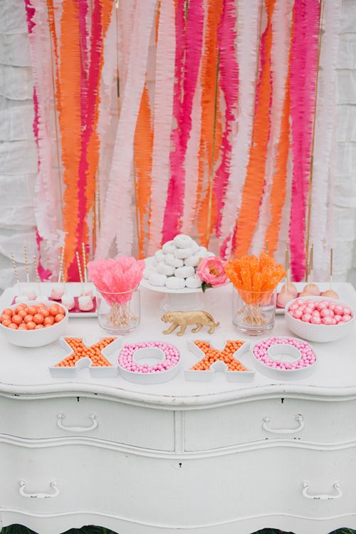 pink and orange party streamers