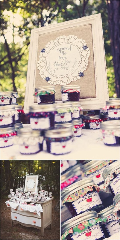 wedding favors jars of jelly