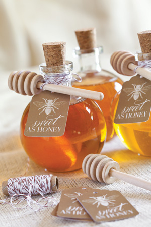 wedding favors: honey