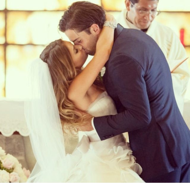 jessie decker wedding kiss