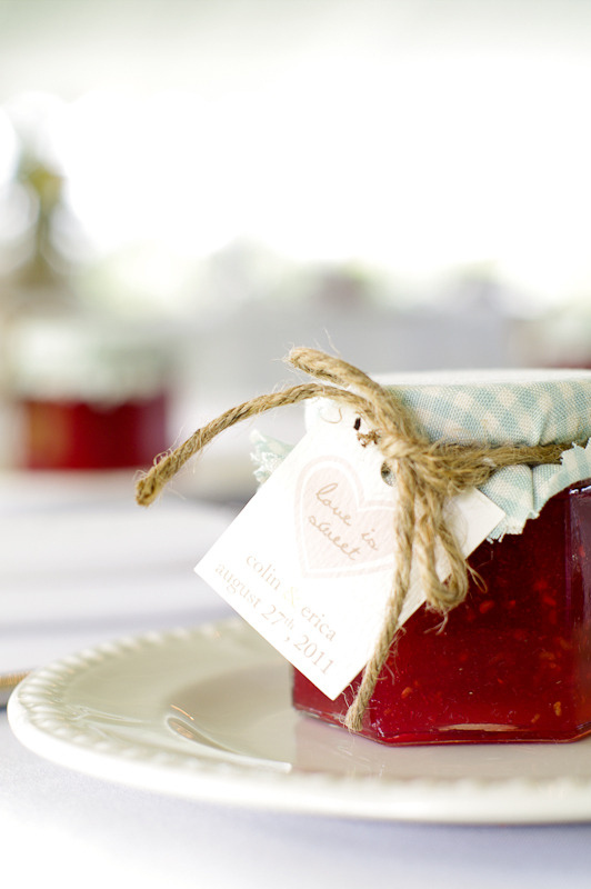 wedding jar of jelly wrapped in fabric