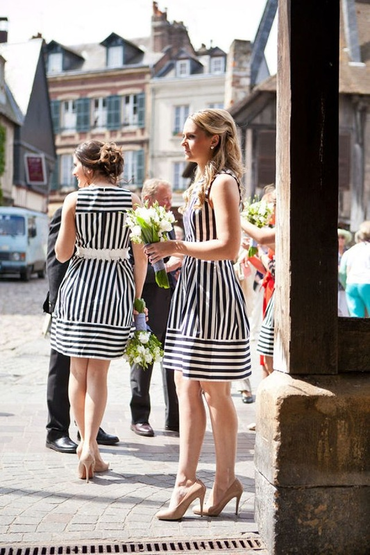 9 reasons to have a nautical wedding it girl weddings for Striped bridesmaid dresses wedding