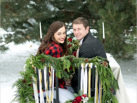 STYLED CHRISTMAS WEDDING SHOOT