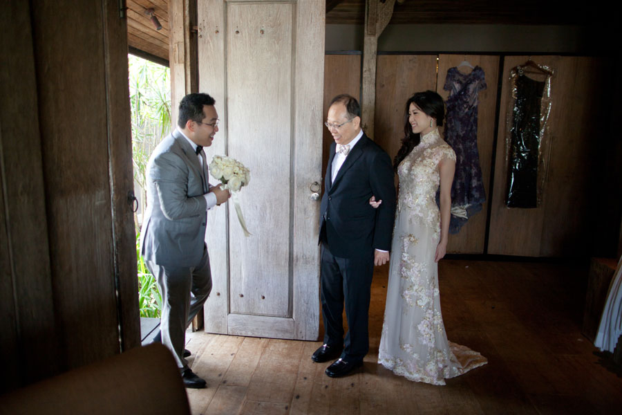 First Look: groom seeing bride for the first time