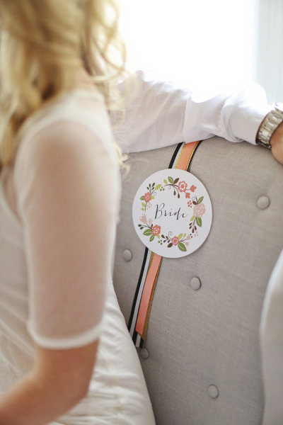 round floral bride sign on brides seat