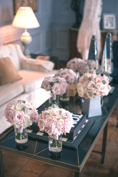 pink and whit wedding bouquets