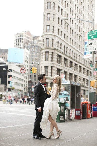 bride and groom outside in nyc