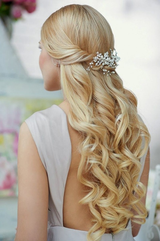 Wedding hairstyle the half up do tutorial it girl weddings wedding hair half up do with twist and curls gorgeous clip junglespirit Choice Image