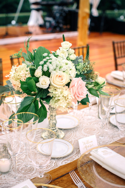 pibk, white yellow and green reception bouquets and table runners on kings tables