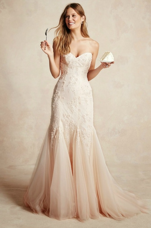 Monique Lhuillier fit and flare wedding dress