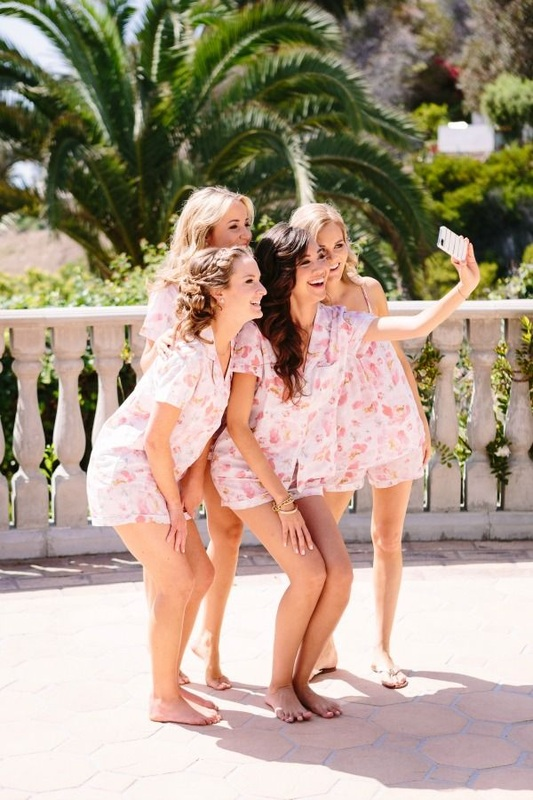 bridesmaid getting ready taking a selfie