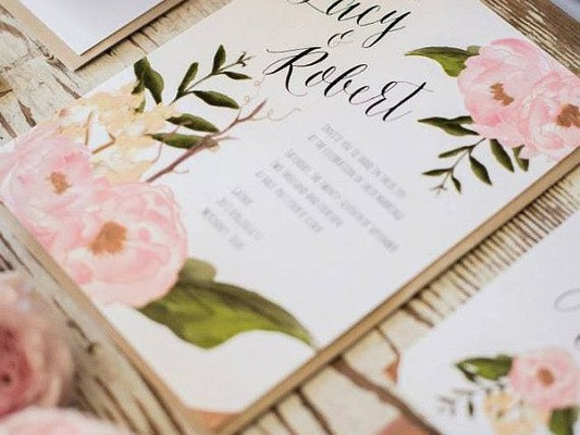 QUESTIONS TO ASK: SELECTING YOUR WEDDING INVITATIONS