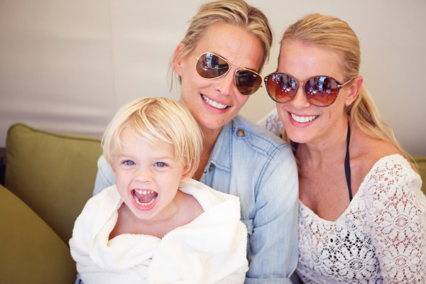 Molly Sims with family, pool day