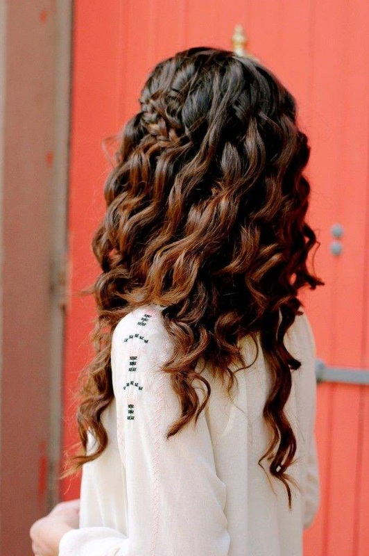 tight curl bridal hairstyle