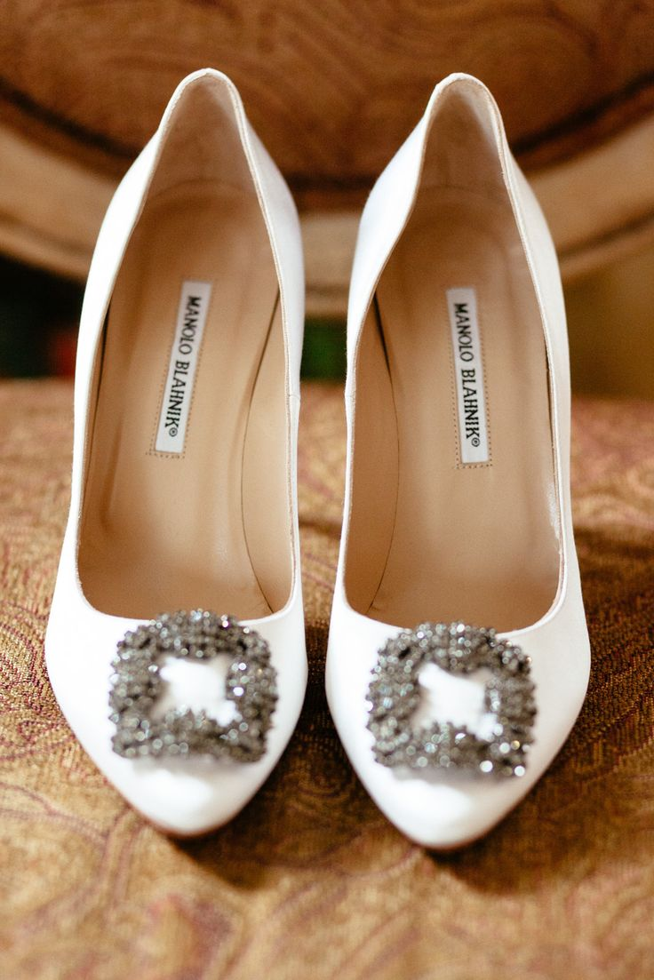 white manolo blanhik wedding shoes