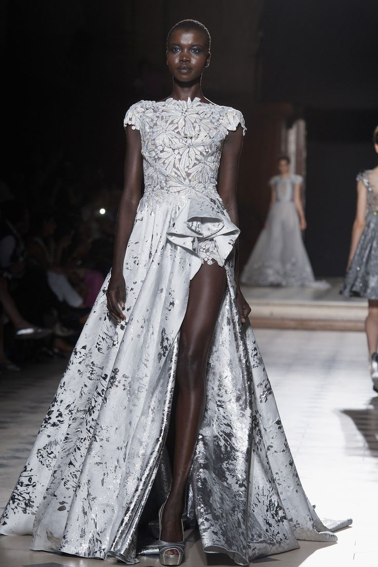 2016 paris bridal couture runway it girl weddings for Fashion couture 2016