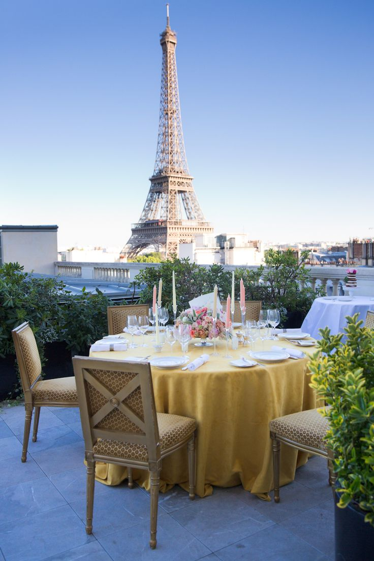 wedding table with Eiffel tower in the backdrop