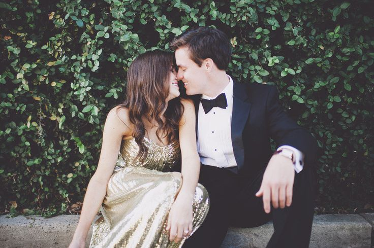 formal engagement pictures couple kissing