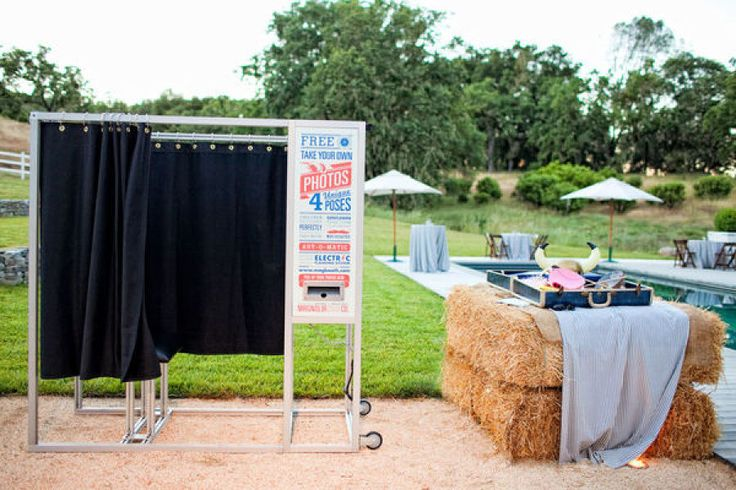Pros Amp Cons Of Wedding Photo Booths It Girl Weddings