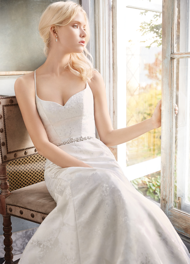 alvina-valenta-bridal-floral-jacquard-soft-fluted-curved-sweetheart-neckline-spaghetti-architecturally-9600_zm