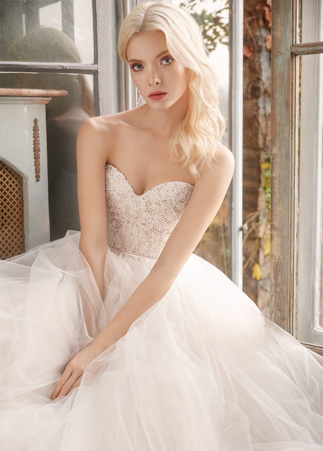 alvina-valenta-bridal-tulle-natural-waist-ball-gown-strapless-sweetheart-neckline-beaded-embroidered-lace-9604_zm