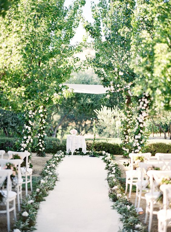 greenery wedding aisle