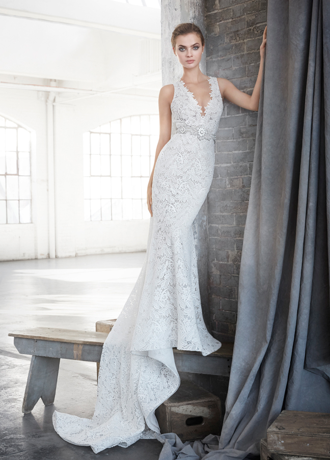 lazaro-bridal-lace-trumpet-gown-chiffon-v-neckline-with-wide-shoulder-high-natural-belt-waist-chapel-3611_zm