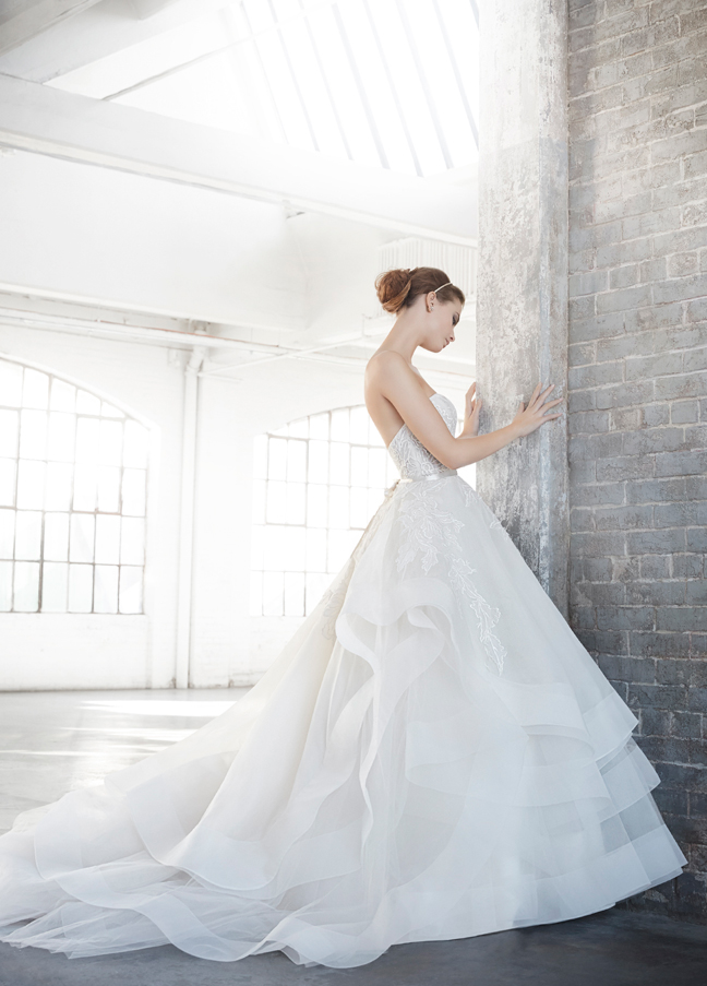 lazaro-bridal-silk-organza-embroidered-ball-strapless-sweetheart-ribbon-natural-organza-horsehair-chapel-3601_zm