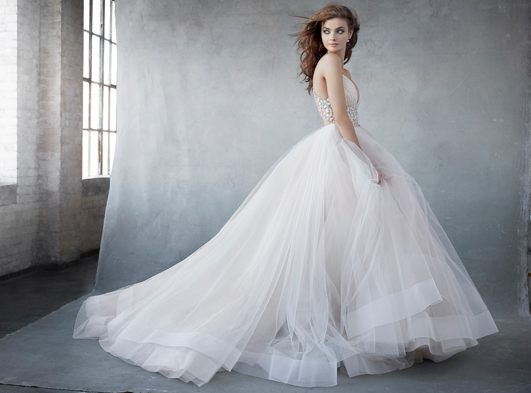 lazaro-bridal-tulle-ball-rouched-sweetheart-thin-strap-shoulder-keyhole-jeweled-natural-horsehair-chapel-3600_zm