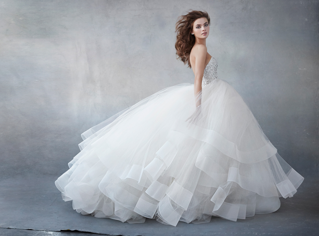 lazaro-bridal-tulle-ball-strapless-sweetheart-pearl-rhinestone-natural-circular-skirt-horsehair-chapel-3608_zm