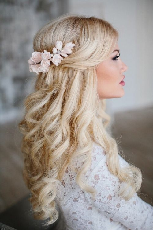 bride-half-up-hairstyle-with-tight-curls
