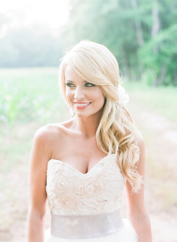 emily-maynard-bridal-side-down-do-in-curls