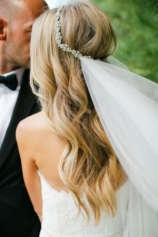 beaded head piece for bridal veil, wavy bridal hair