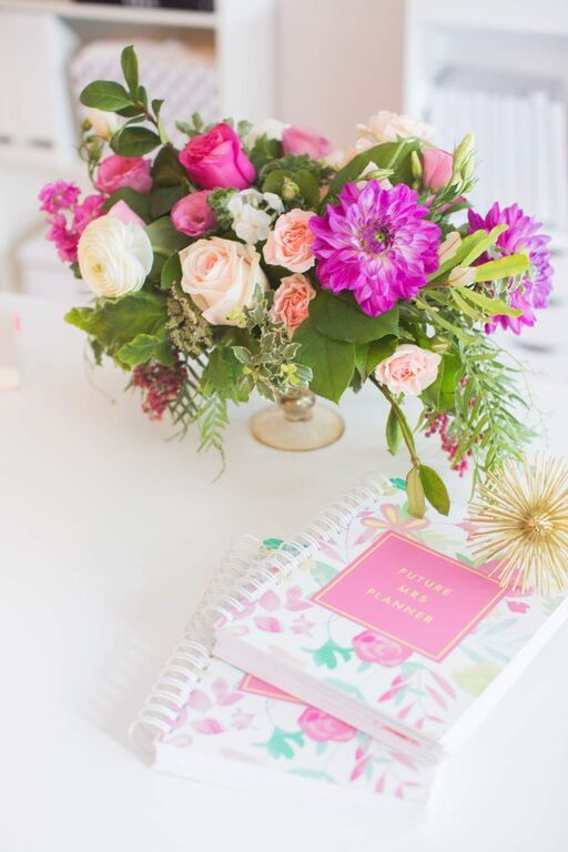 wedding-planner-book-and-pink-florals