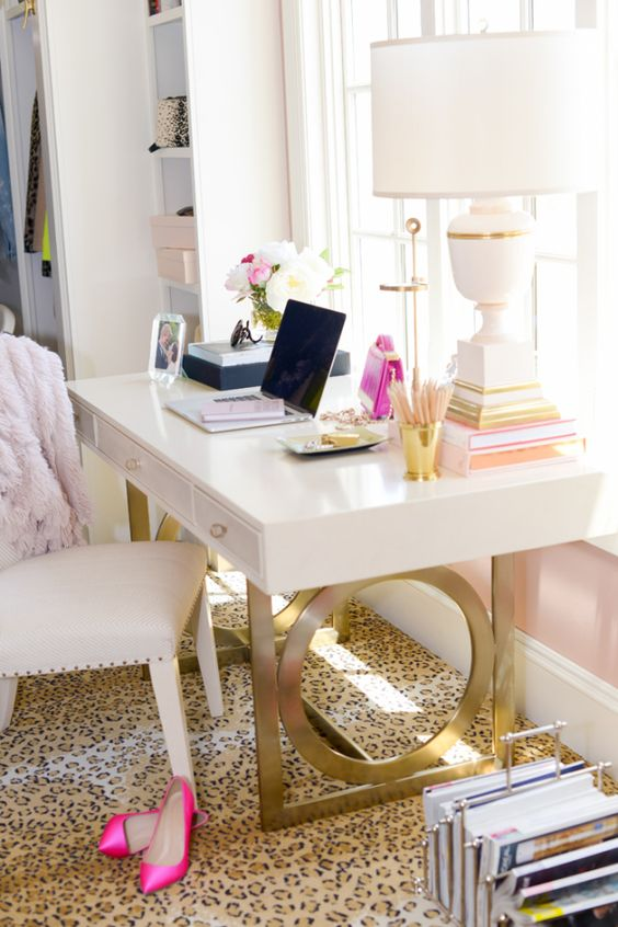 white-desk-with-gold-white-office