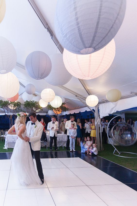 marquee-wedding-tent-with-lit-up-balloons