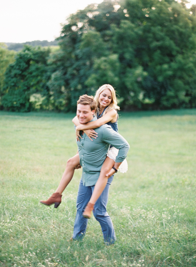 piggy-back-ride-engagement-picture http://itgirlweddings.com/plantation-engagement-session/