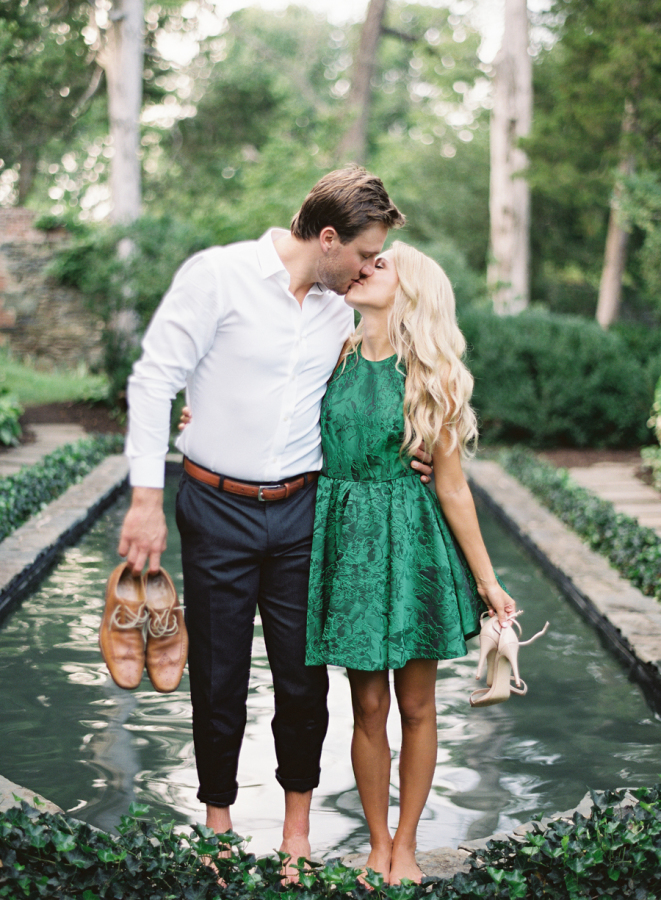 dressy-engagement-outfit-ideas http://itgirlweddings.com/plantation-engagement-session/