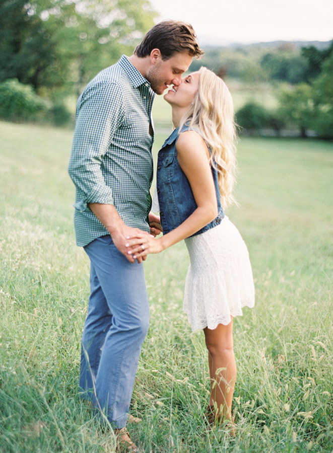 romantic-engagement-shot-in-a-field-causal-outfits http://itgirlweddings.com/plantation-engagement-session/