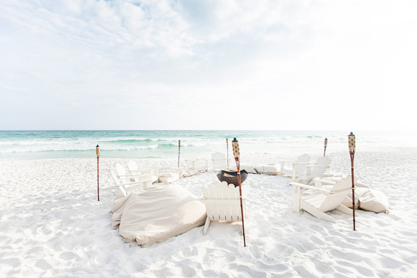 beach-rehearsal-dinner http://itgirlweddings.com/white-party-rehearsal-dinner/