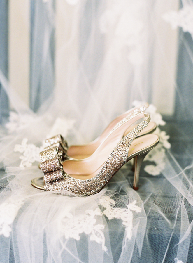 kate-spade-bow-wedding-heels http://itgirlweddings.com/southern-white-tie-wedding/