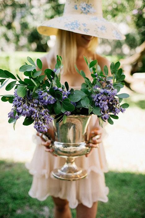 how-to-host-a-kentucky-derby-bridal-shower http://itgirlweddings.com/how-to-host-a-kentucky-derby-bridal-shower/
