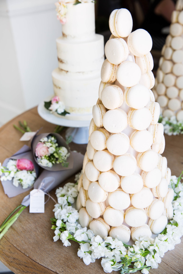 bridal-shower-macaroon-tower http://itgirlweddings.com/tips-for-creating-a-photo-worthy-bridal-shower/