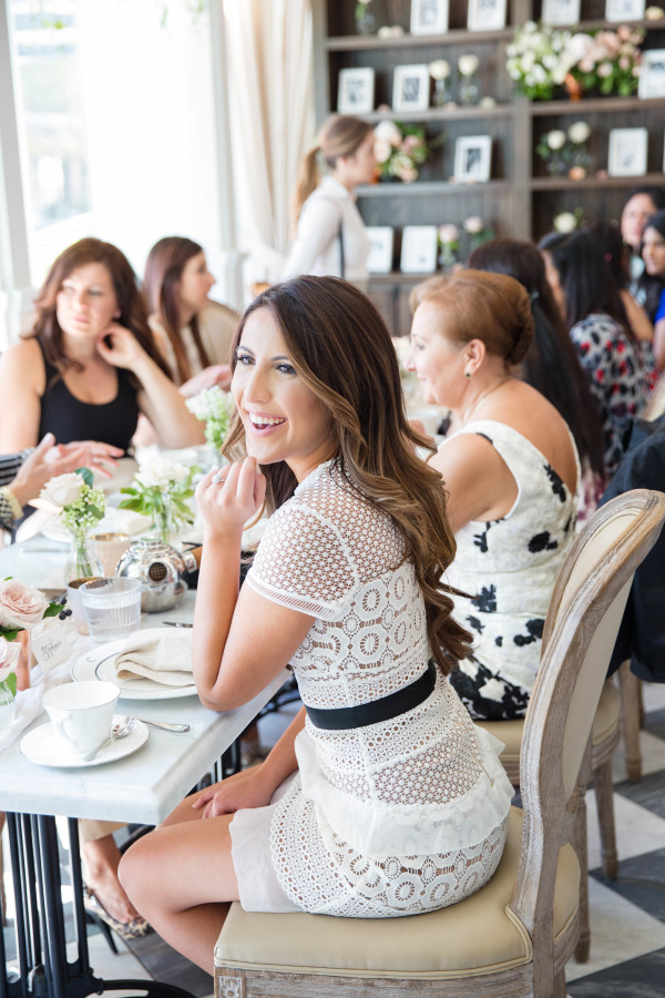 bridal-shower-decor http://itgirlweddings.com/tips-for-creating-a-photo-worthy-bridal-shower/