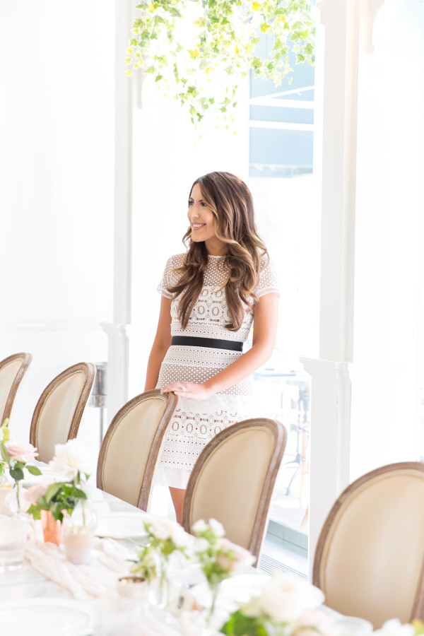 bridal-shower-dresses http://itgirlweddings.com/tips-for-creating-a-photo-worthy-bridal-shower/