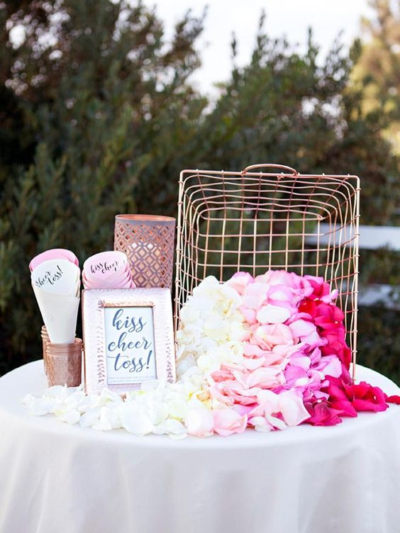 kiss-cheer-toss-wedding-toss-bar http://itgirlweddings.com/pinterest-reveals-biggest-trends-weddings-year/