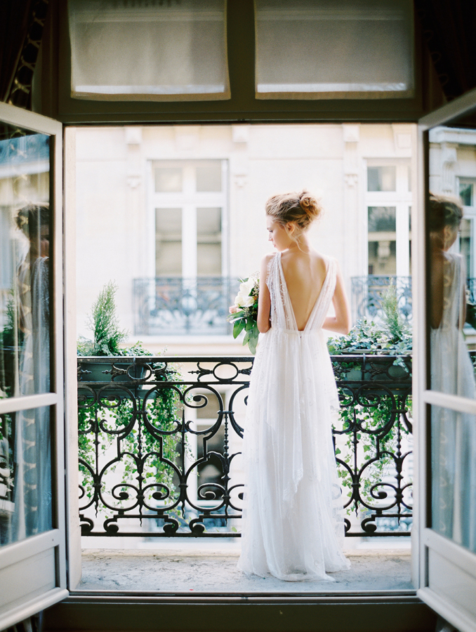bride-on-paris-balcony