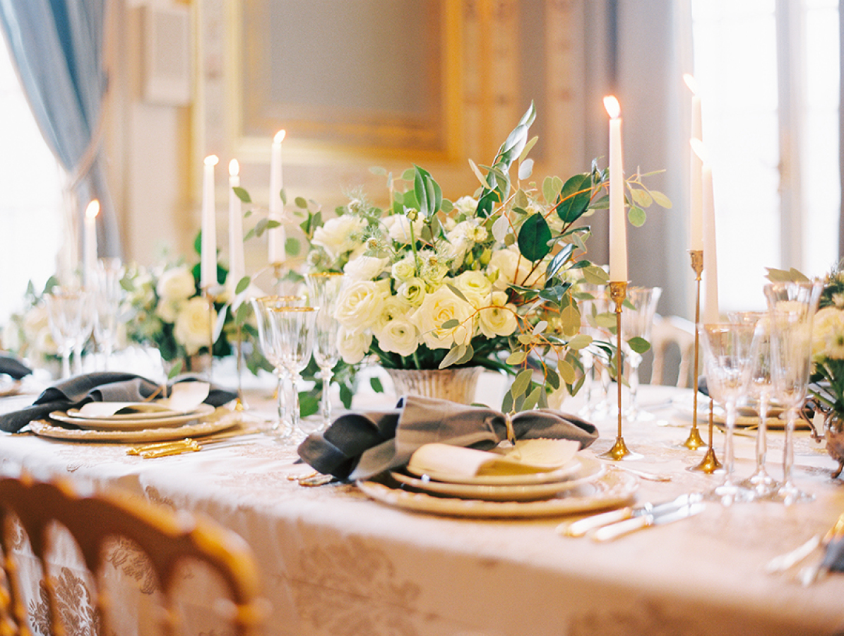 tablescape-at-Musee-Rodin http://itgirlweddings.com/parisian-wedding-inspiration/