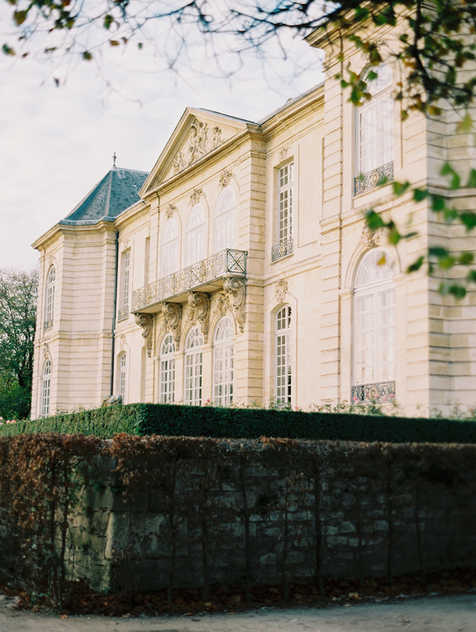 Musee-Rodin-paris http://itgirlweddings.com/parisian-wedding-inspiration/