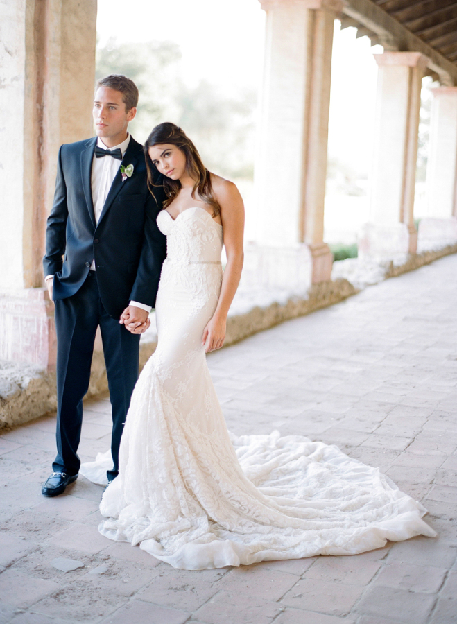 belted-wedding-dress http://itgirlweddings.com/elopement-inspiration/